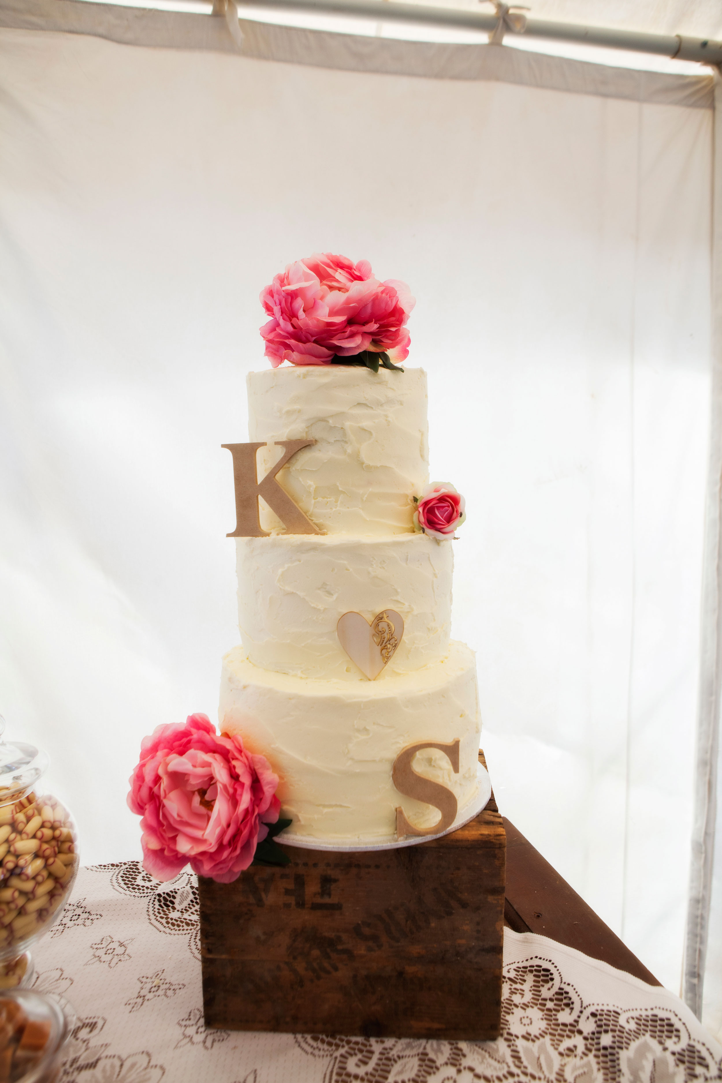 Creative cake toppers | Bride & Groom