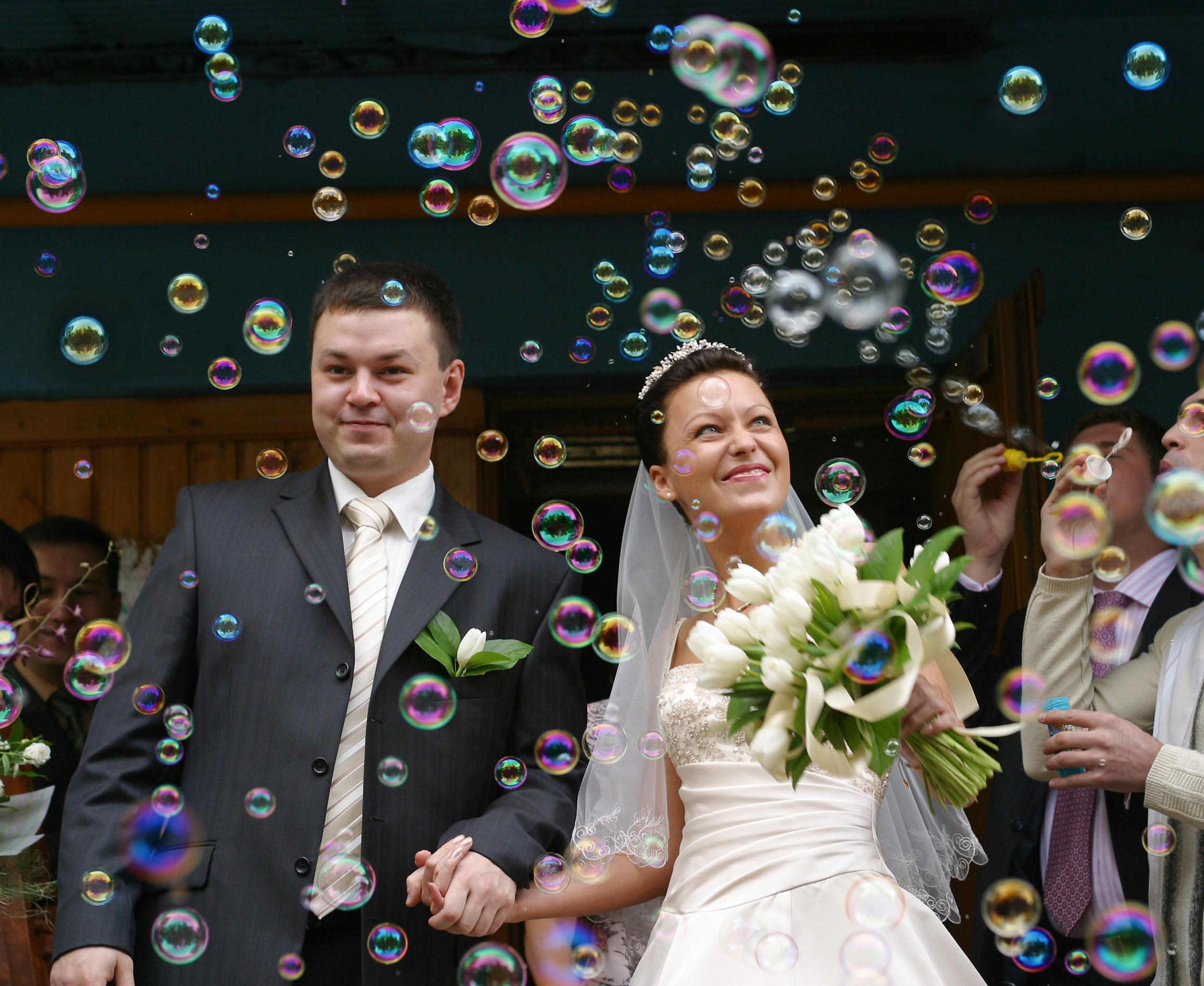 wedding send off ideas bride groom